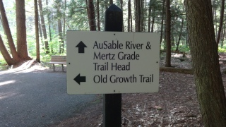 4_trail sign